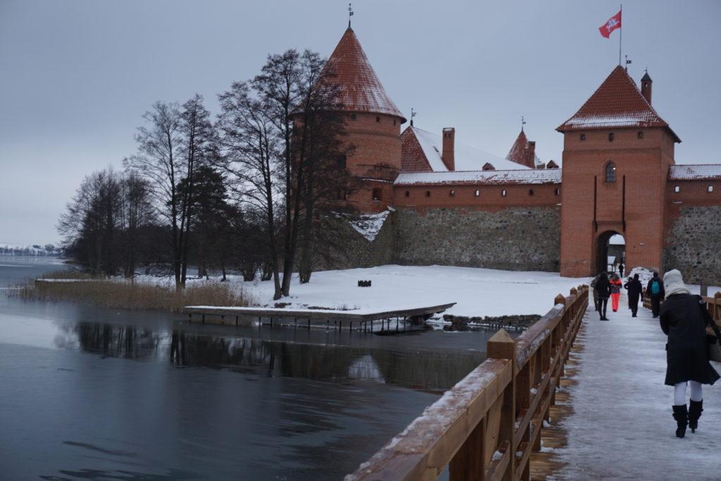 冬のトラカイ城